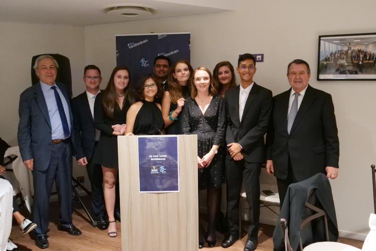 Vatel Bordeaux - De gauche à droite : M. Régis Glorieux (Président & Co-fondateur de Vatel Bordeaux) ; Nos étudiants ; M. Alain Sebban (Président fondateur du Groupe Vatel).