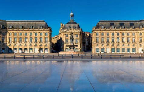 Ville de Bordeaux - Place de la Bourse & son miroir d'eau
