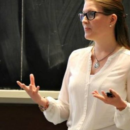 Vatel Argentina  Josefina Coleman, Egresada de la promoción 2012 dictando clases de Revenue Management.