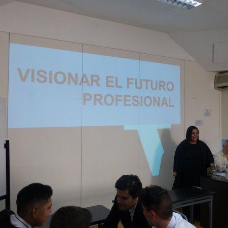 """Vatel Argentina Charla motivacional """"Visionar tu futuro profesional"""" y presentación MBA"""