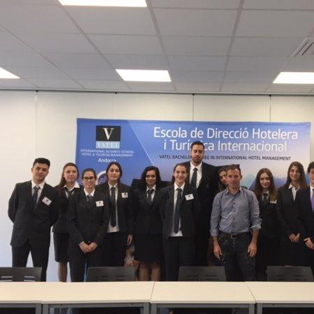 Vatel Andorra Xerrada als estudiants de l'escola sobre la motivació i l'esperit de superació en el treball quotidià.