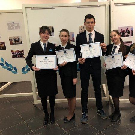 Vatel Россия Защита отчетов  студентов 2 курса о пройденной стажировке в гор.Ним (Франция)