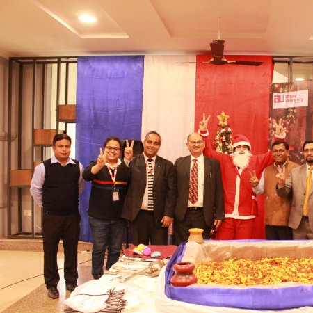 Vatel India (New Delhi) CHRISTMAS TREE LIGHTING & CAKE MIXING CEREMONY!