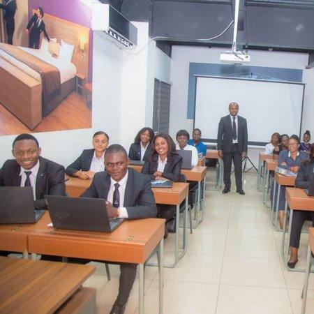 Visite du Campus Vatel Kinshasa par  Son Excellence Monsieur Te Litho Tenge Didier, Ministre Provinciale de la Décentralisation, Tourisme et Aménagement de la Ville Province de Kinshasa