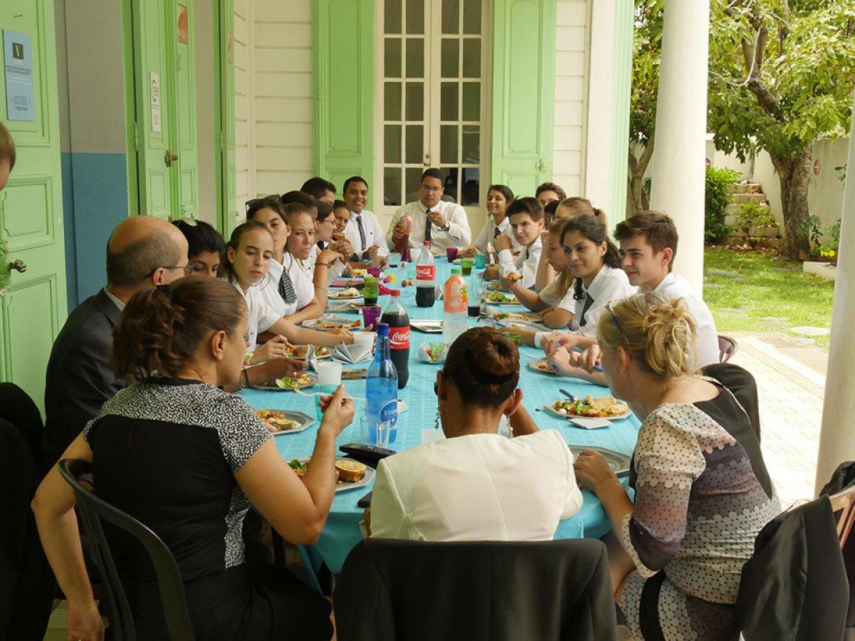 Vatel La Réunion - Repas de rentrée - résultats des partiels - 35